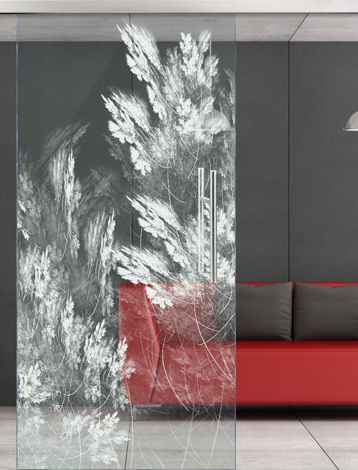 Glasschiebetür mit Motiv Whisper gelasert vor Hintergrundbild